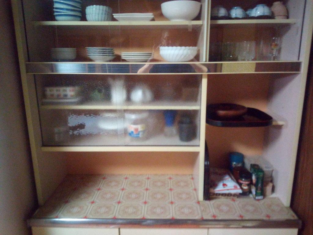 食器棚ラスト4