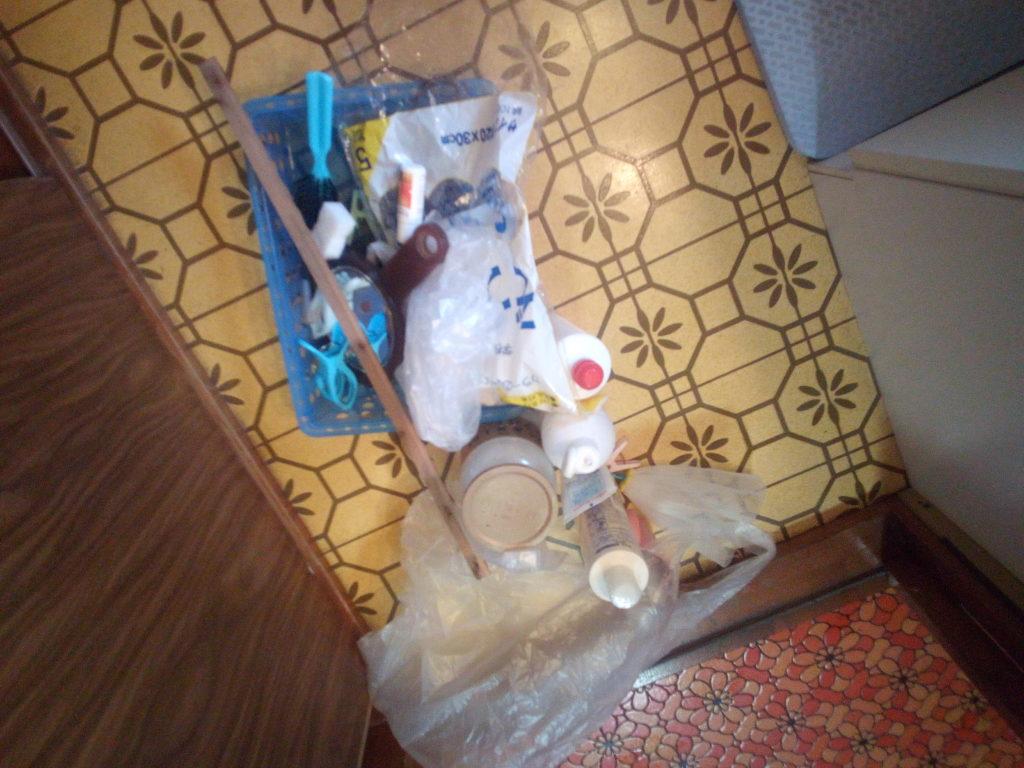 洗面所のゴミ