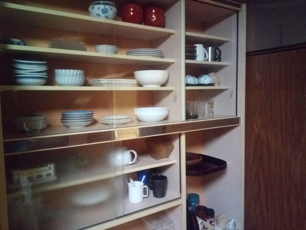 片付いた食器棚