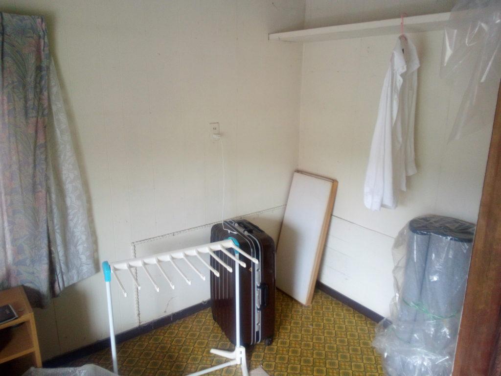掃除前の子供部屋2