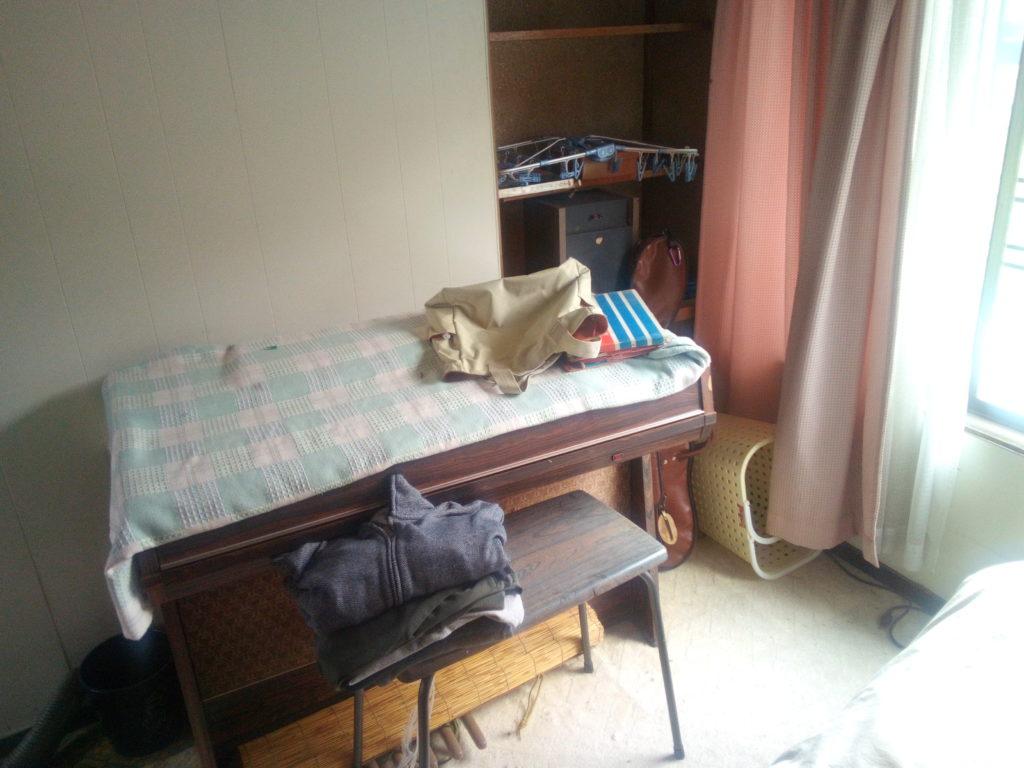 掃除前の子供部屋1