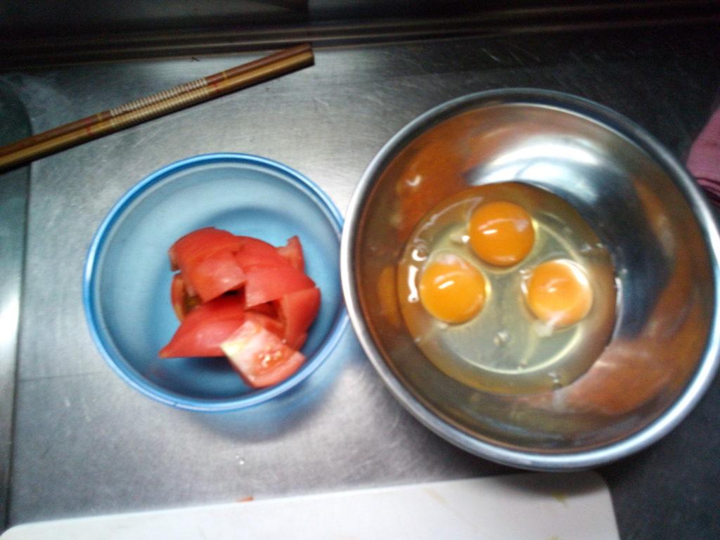 ふわ玉トマト炒め1
